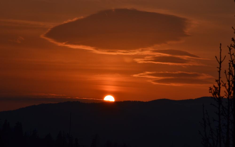 slunce_zapadajici